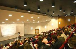 Рекордное количество заявок на поступление в University of Surrey