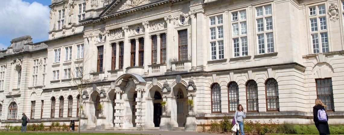 Юлия Рыжкова о получении гранта на обучение в Cardiff University