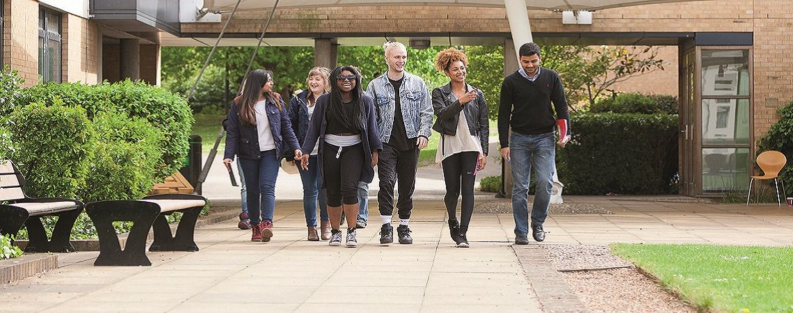The success of the students of the University of Roehampton in the labour market