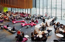 Почему иностранные студенты выбирают Университет Оксфорд Брукс